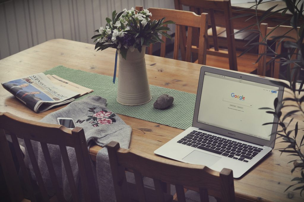 PCと花瓶